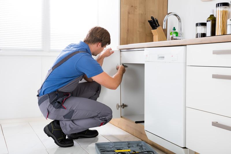 FC Installation et réglage de mobilier d'agencement intérieur (cuisine-SDB)